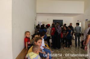 dispensaire Habib Maleh queue 16:08:14