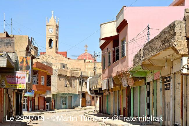 La rue commerçante du centre ville de Qaraqosh.