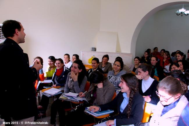 2)ecole-Erbil-filles-faraj-classe-mars-2015