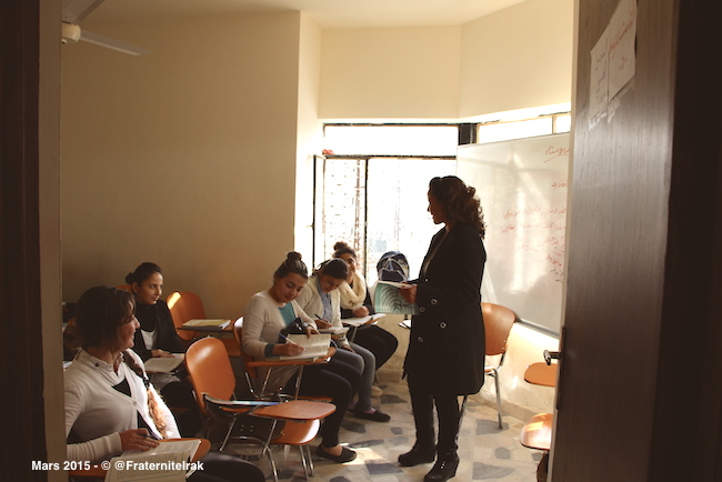 5)Ecole-fille-Erbil-classe-prof-eleves-mars-2015