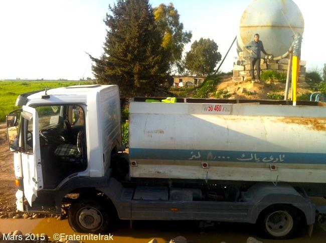 Un camion citerne pour améliorer l'accès à l'eau des déplacés à Erbil