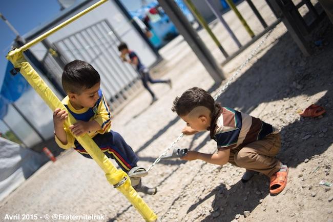 enfants-jeux-camp-Ashti-Erbil-Paques-2015