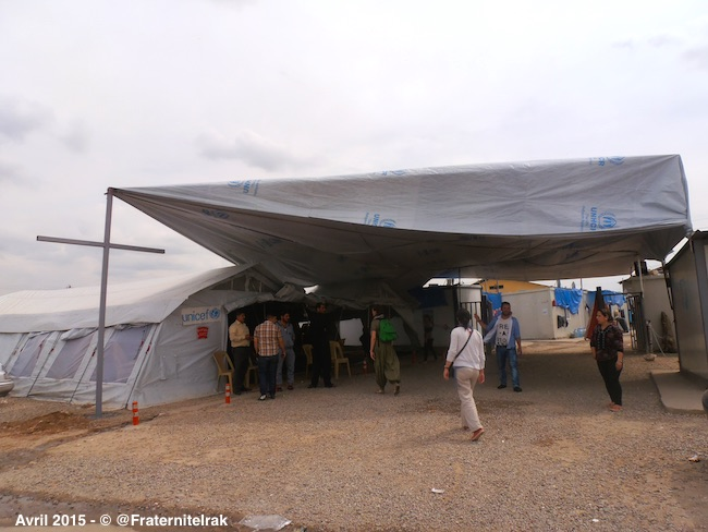 tente-eglise-vendredi-saint-paques-avril-2015