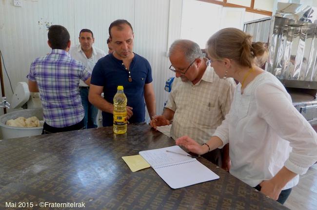 23)derniers-preparatifs-benevoles-fei-boulangerie-erbil-mai-2015