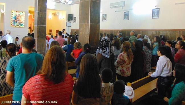 premiere-communion-messe-assemblee-irak-juillet-2015
