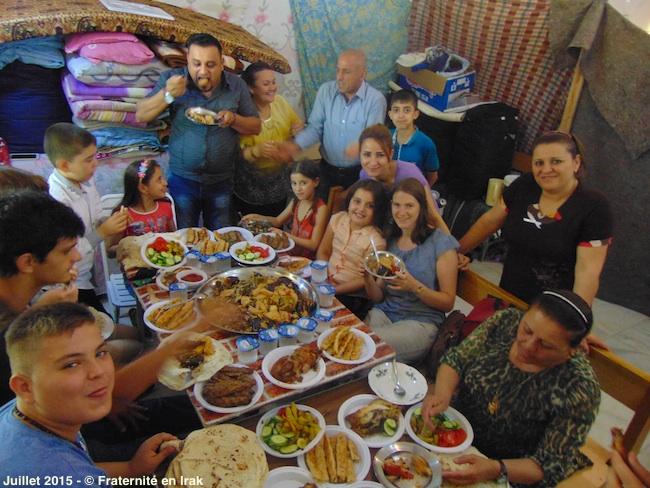 premiere-communion-repas-fete-irak-juillet-2015