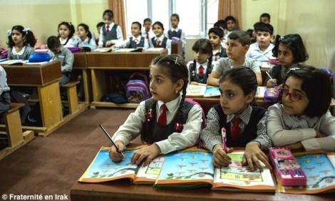 Les écoliers de Kirkouk font leur rentrée dans une école agrandie et rénovée