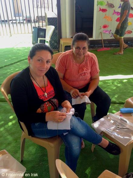 femmes-portrait-broderie-centre-activite-erbil-fin-septembre-2015