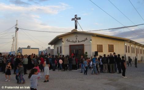 La nouvelle église pour les réfugiés chrétiens d'Irak dédicacée!