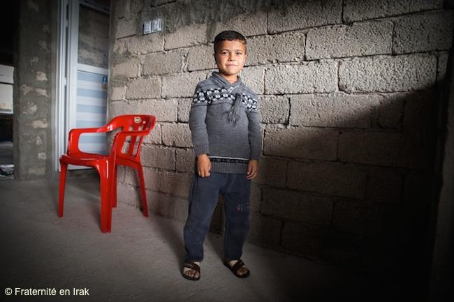 enfant-yezidi-ecole-bozan-nov-2015