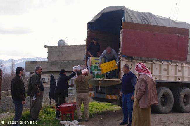 dechargement-camion-araden-29-12-15