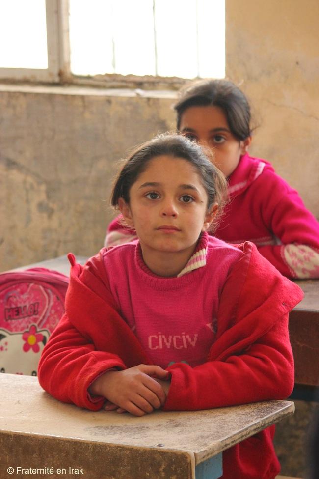 enfants-filles-elves-ecole-Sharanish-17-fevrier-2016
