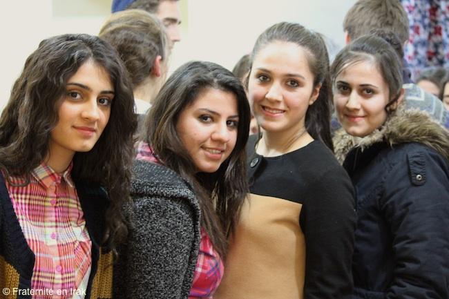 Vie quotidienne et espoirs des étudiantes déplacées de Kirkouk