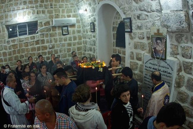 vendredi-saint-cercueil-syriaque-mars-2016-FB