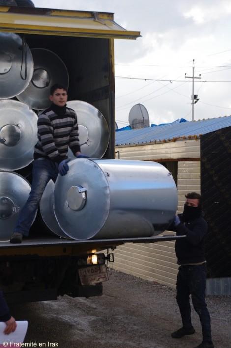 Un millier de citernes d'eau pour aider les réfugiés d'Ashti