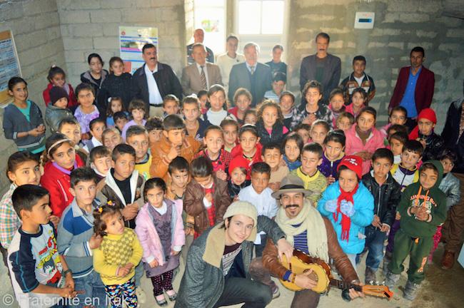 concert-vinz-fratoun-ecole-yezidi-bozan-mission-artistique-fevrier-2016