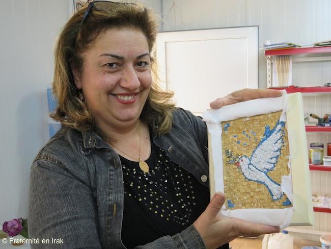 femme-mosaique-colombe-atelier-artisanat-avril-2016