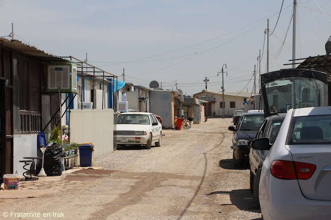 vue-large-camp-ashti-mobil-homes-eglise-al-bichara-avril-2016