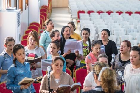 La chorale de l'espoir dans le camp de déplacés d'Ashti