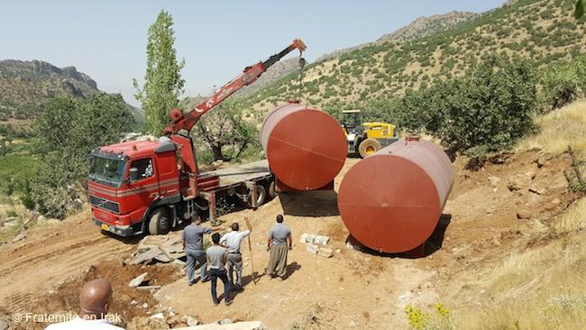 citernes-camion-grue-rouge-Sharanish-juin-2016