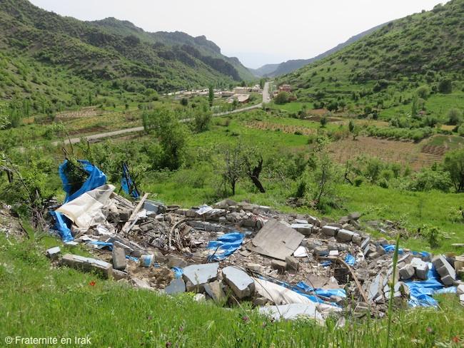 vue-impact-bombardement-sharanish-village-avril-2016