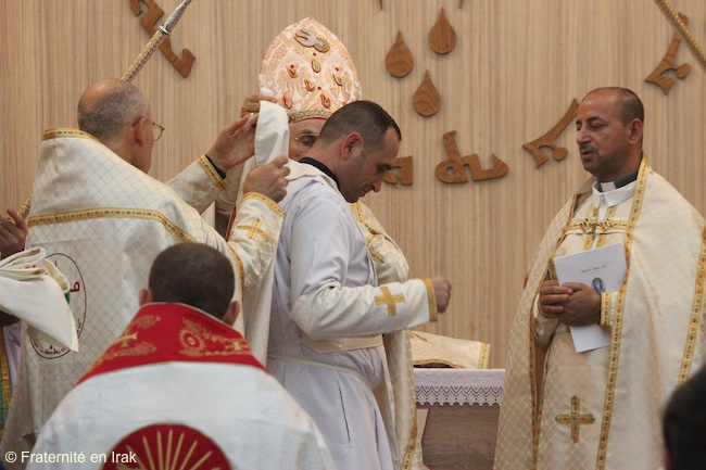 nouvel-habit-pretre-ordination-aout-2016