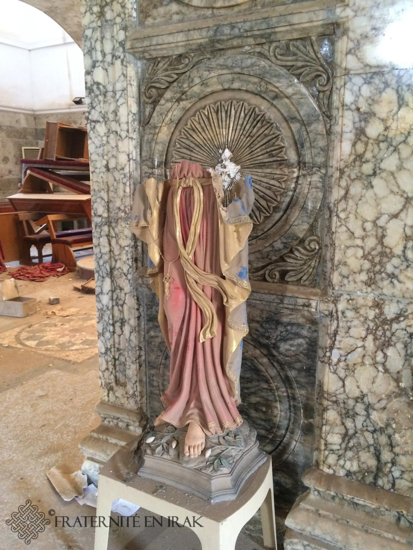 Les images ne plaisant pas aux djihadistes ont été abimées ou détruites. Ici à l'intérieur de l'église Mar Yacoub