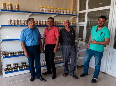Un emploi pour les déplacés : une usine de crème de sésame a vu le jour à Sulaymania