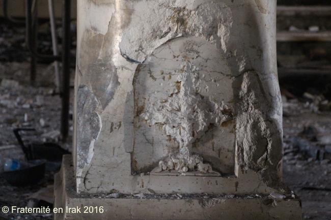 croix-detruite-pilier-al-tahira-qaraqosh-octobre-2016