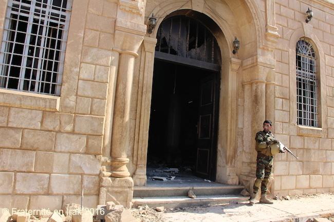 entree-al-tahira-qaraqosh-soldat-npu-octobre-2016