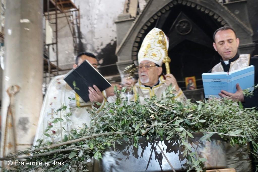 benediction-Mgr-Petros-Mouché-Rameaux-2017-Irak