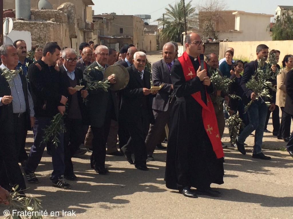 procession-tellsoqf-pere-salar-rameaux-2017-fraternite-irak