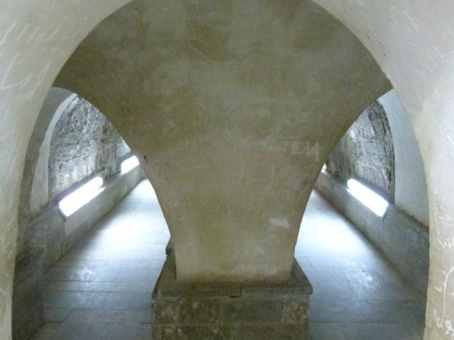15.Sortie du mausolée