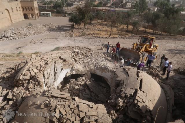 Premiers travaux de déblaiement des ruines du mausolée de Mar Behnam