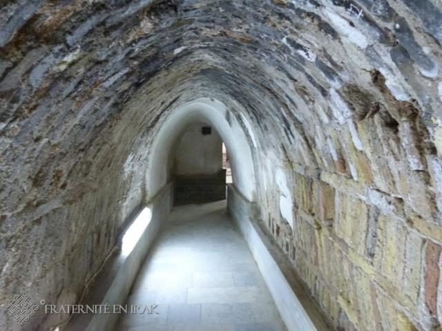 Tunnel à l'entrée du mausolée.