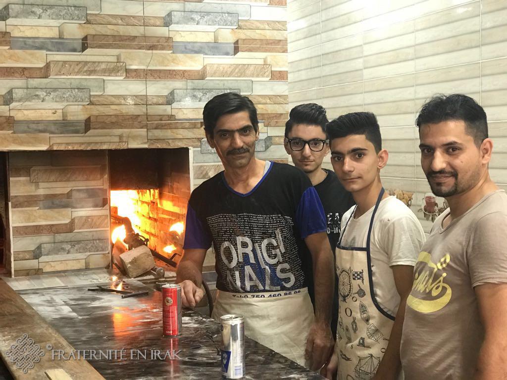 À Kirkouk, des réfugiés travaillent dans une boulangerie financée par Fraternité en Irak