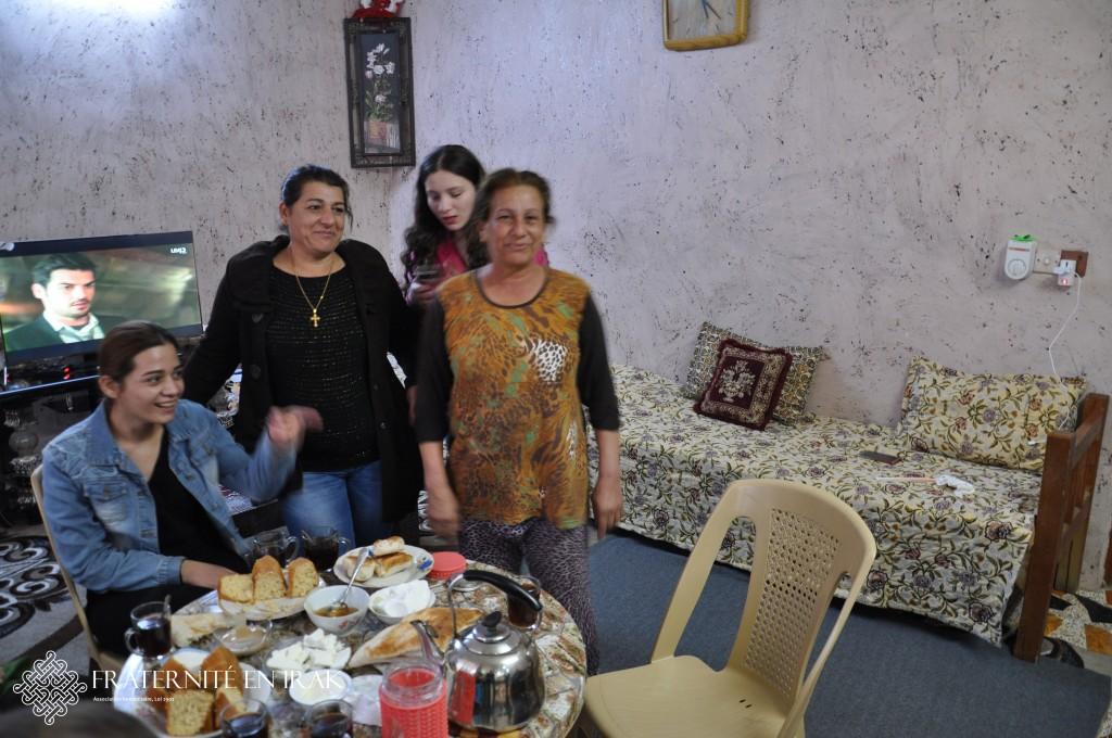 4-Shaqaq-salon2-quartier-pauvre-qaraqosh-irak
