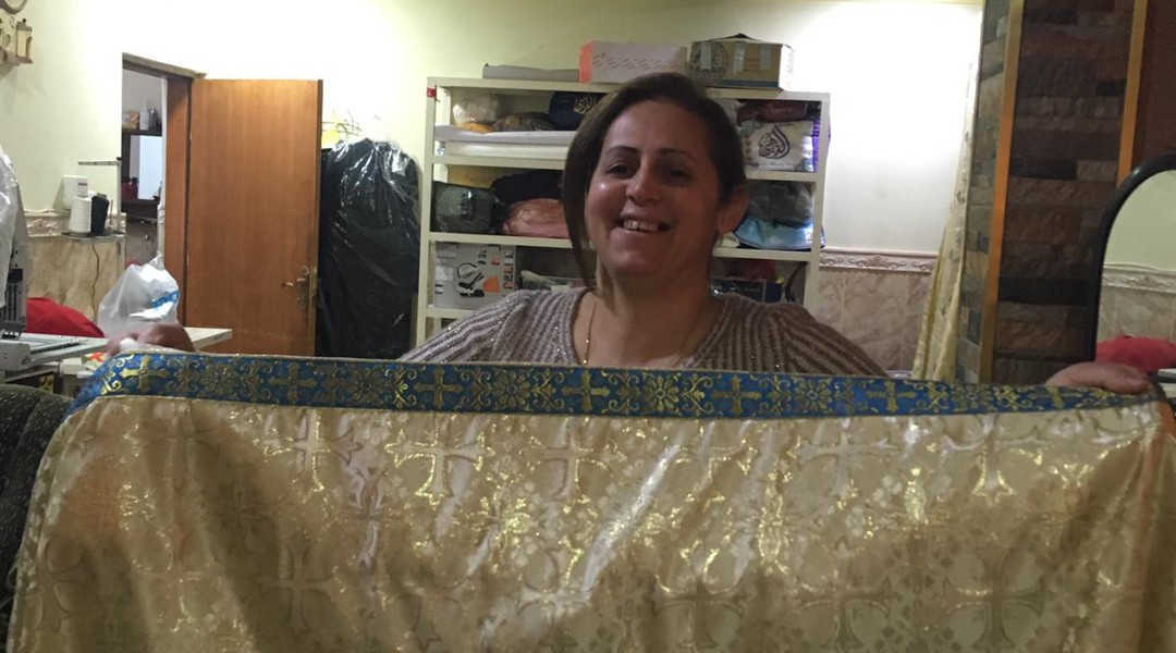 Najlaa, une couturière aux doigts d'or