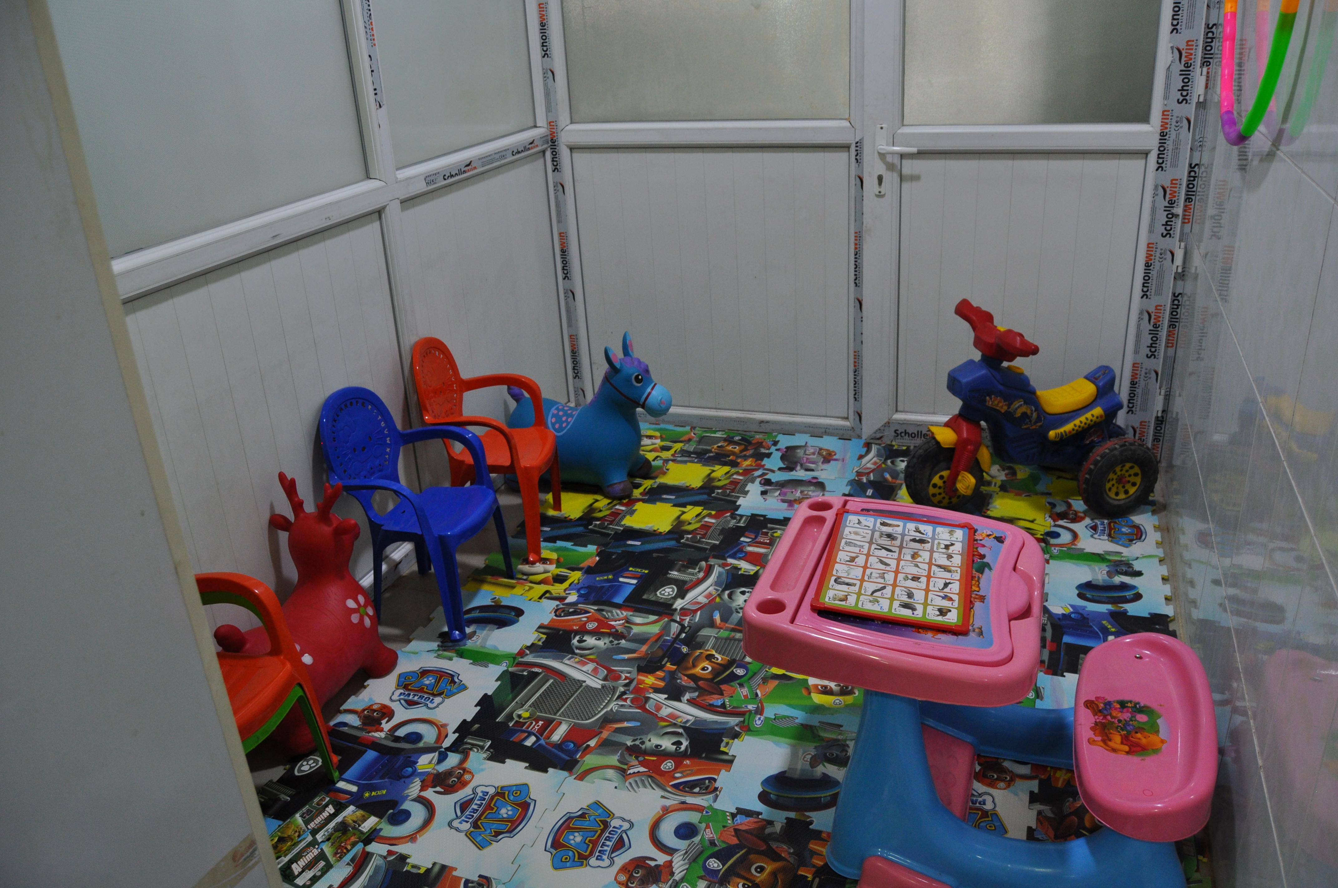 Kirkouk_Centre_autisme_salle2_thérapie